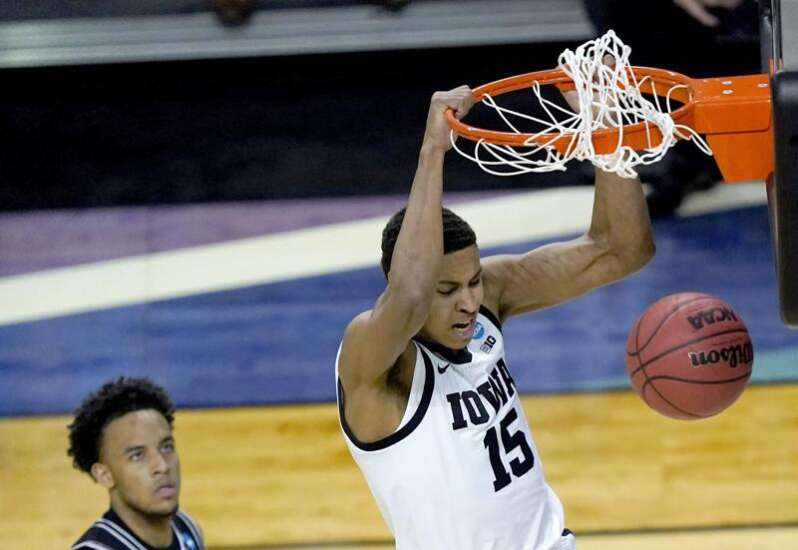 Iowa Hawkeyes fire early salvo, stay on top of Grand Canyon in NCAA tournament win