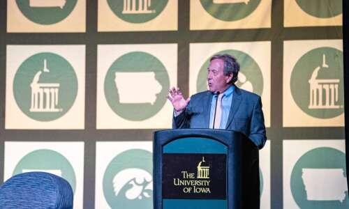 University of Iowa President Bruce Harreld to leave earlier than…