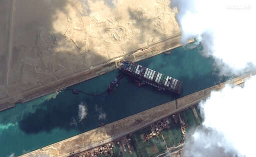 No timeline given for extracting wedged ship from Suez Canal