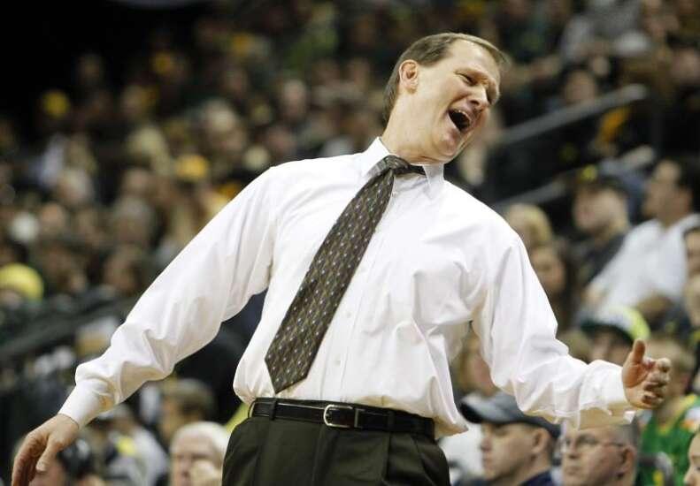 Iowa vs. Oregon NCAA men's basketball tournament glance: Time, TV, live stream, team data