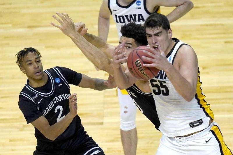 Iowa vs. Oregon game time announced for NCAA tournament 2nd round
