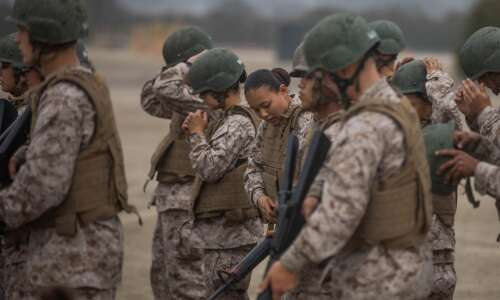 Iowa woman part of first female Marine platoon in San…