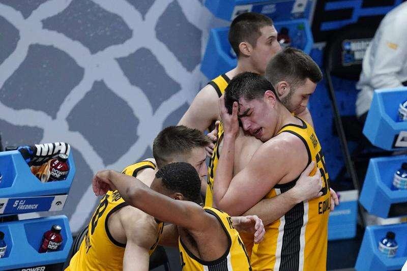 Luka Garza exits NCAA tournament, with sorrow and gratitude