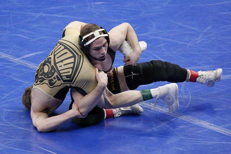 NCAA Wrestling Championships 2021: Friday's results, team scores and more