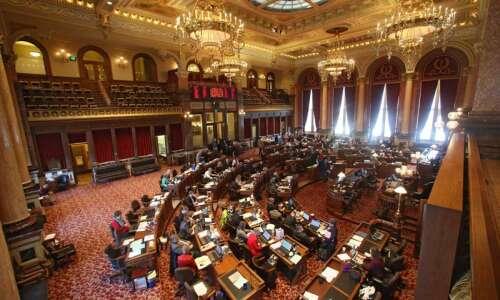Iowa Senate sets $7.9 billion budget